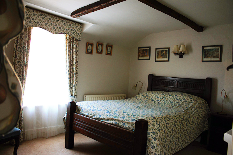 Bedroom-5-(2)